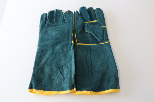 3. Green Lined Glove 200mm