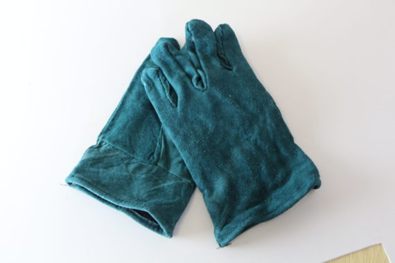4. Green Lined Glove 50mm